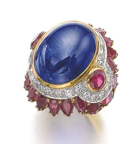 Bague cabochon de saphir David Webb.