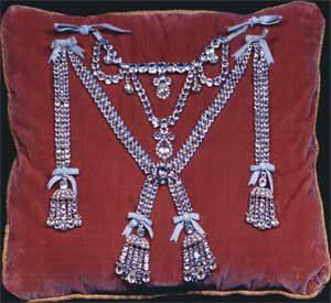 Reconstitution du collier de la reine, ©château de Versailles.